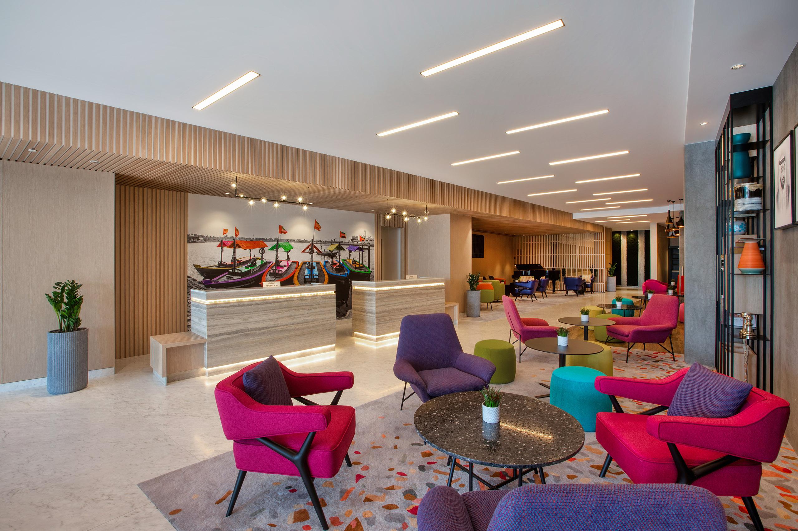 La Quinta Bur Dubai Hotel by Wyndham Lobby